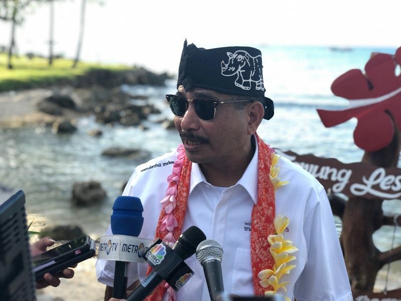 https: img-o.okeinfo.net content 2019 04 01 406 2037919 pasca-tsunami-menpar-arief-yahya-tegaskan-kawasan-selat-sunda-sudah-aman-dikunjungi-wisatawan-AVEGcVqxuN.jpeg