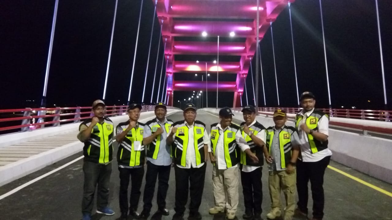 https: img-o.okeinfo.net content 2019 04 01 470 2037592 pembangunan-jembatan-holtekamp-papua-selesai-juli-2019-ZgFHTDgX3e.jpeg