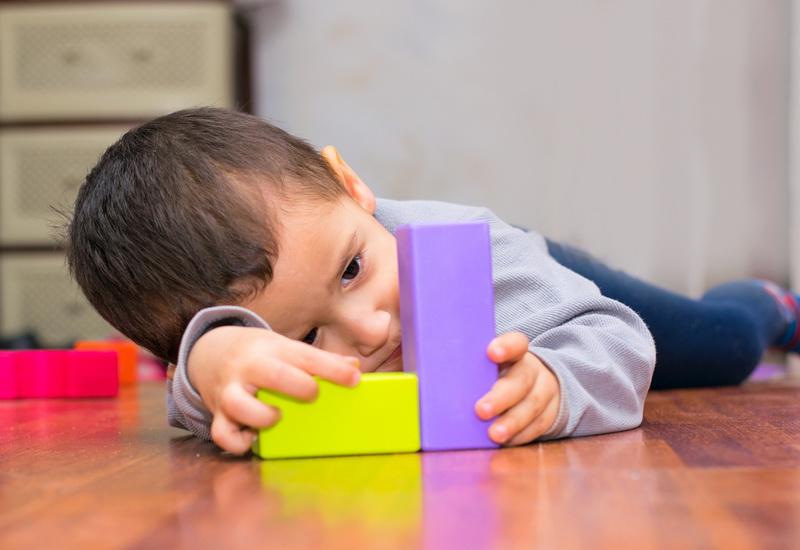 https: img-o.okeinfo.net content 2019 04 02 481 2038111 fakta-fakta-autisme-salah-satunya-lebih-banyak-menyerang-anak-laki-laki-mTKKie1f4y.jpg