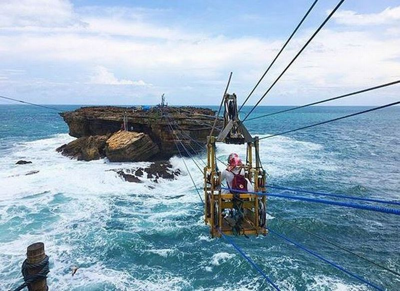 https: img-o.okeinfo.net content 2019 04 06 406 2040014 yogyakarta-raih-penghargaan-wisata-bahari-dan-ekstrem-Rq9zFnfilM.JPG