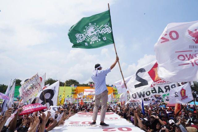 https: img-o.okeinfo.net content 2019 04 06 605 2039856 nu-lumajang-protes-sandiaga-kibarkan-bendera-nu-saat-kampanye-YGTgm3QOSl.jpg