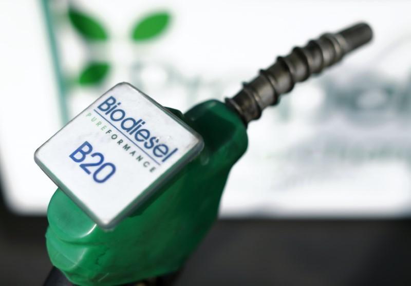 https: img-o.okeinfo.net content 2019 04 09 15 2041017 klaim-keunggulan-bahan-bakar-biodiesel-50-persen-8BqInE3ygX.jpg