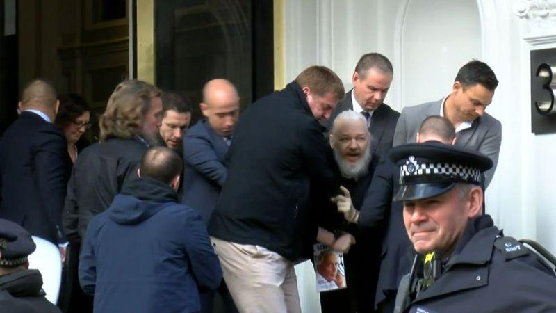 https: img-o.okeinfo.net content 2019 04 12 18 2042452 presiden-ekuador-jelaskan-alasannya-cabut-suaka-pendiri-wikileaks-julian-assange-zfVbdX8GDP.jpg