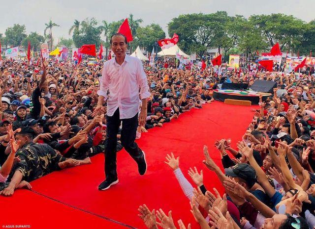 https: img-o.okeinfo.net content 2019 04 13 605 2042965 kemenangan-jokowi-di-depan-mata-tkn-tinggal-pastikan-pemilih-datang-ke-tps-U8wTxTQkTO.jpg
