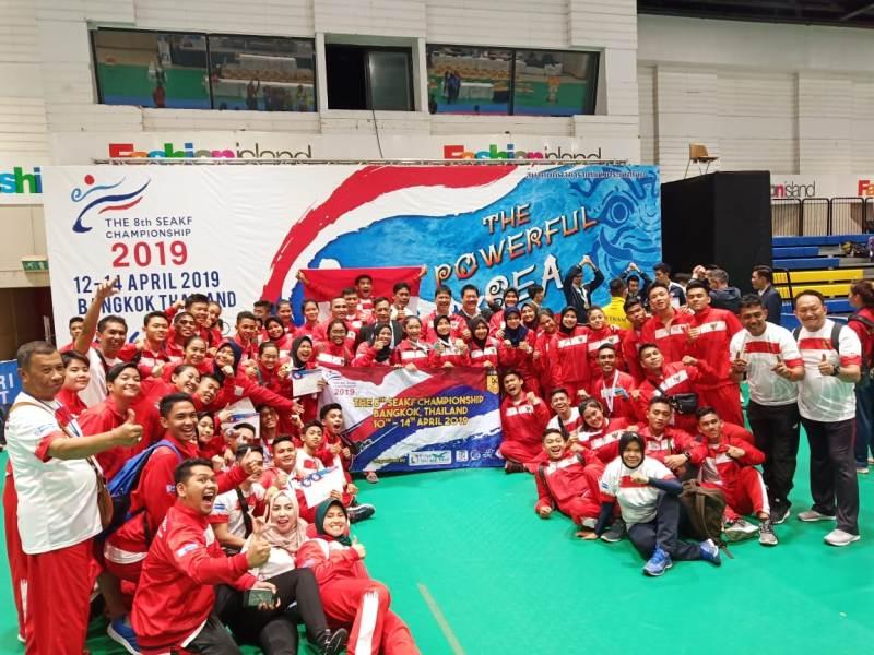 https: img-o.okeinfo.net content 2019 04 15 43 2043499 timnas-karate-indonesia-sabet-8-emas-pada-kejuaraan-di-bangkok-ZqbJxYILSB.jpeg