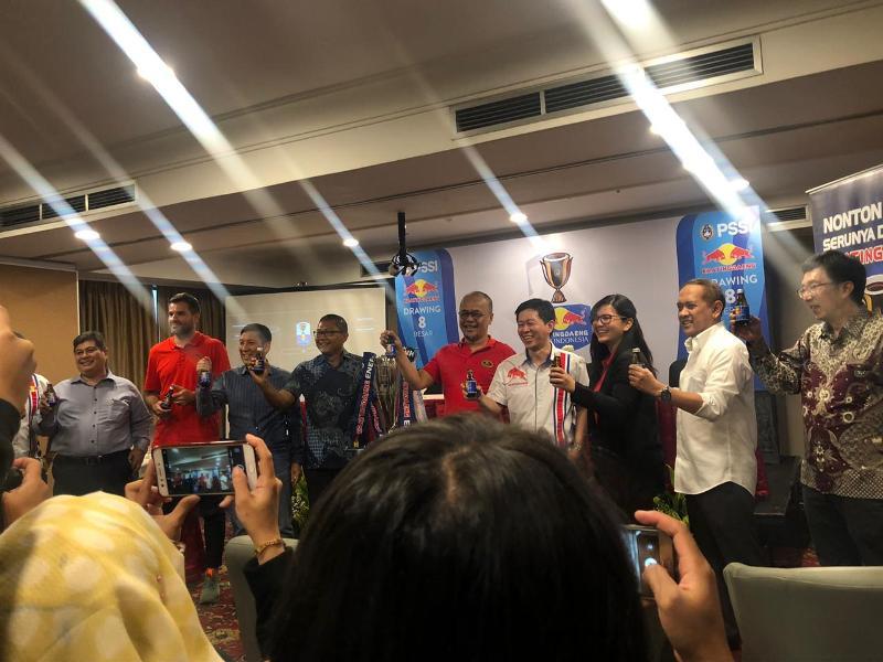 https: img-o.okeinfo.net content 2019 04 15 49 2043755 hasil-drawing-8-besar-kratingdaeng-piala-indonesia-2018-92rf0MQ3yA.jpeg