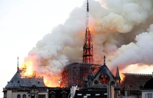 https: img-o.okeinfo.net content 2019 04 16 18 2044242 mahkota-duri-yesus-kristus-selamat-dalam-kebakaran-katedral-notre-dame-EiPPHs4G6h.jpg