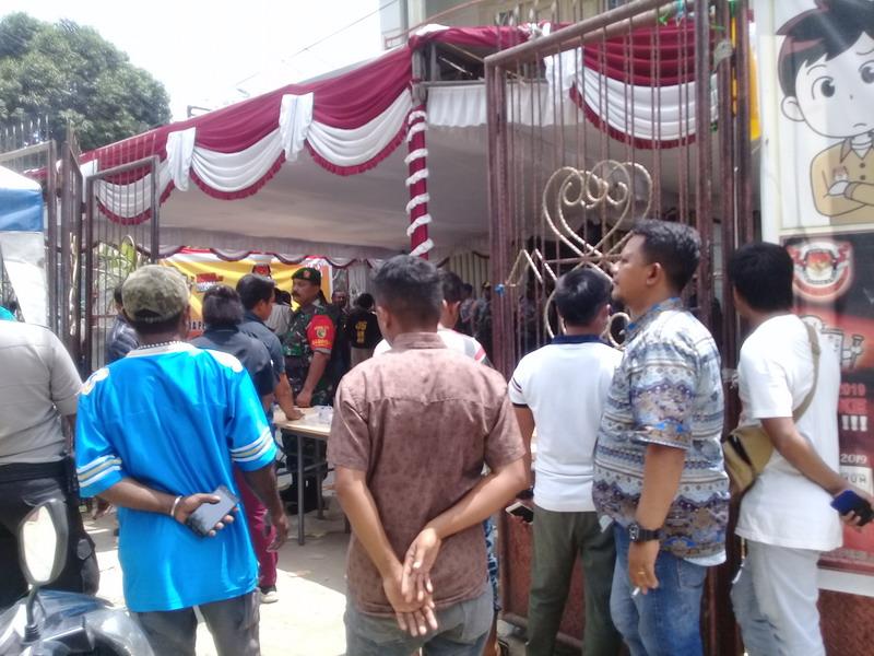https: img-o.okeinfo.net content 2019 04 17 340 2044524 pemilu-2019-di-2-distrik-papua-ditunda-hingga-besok-a9VqafdfIp.jpg