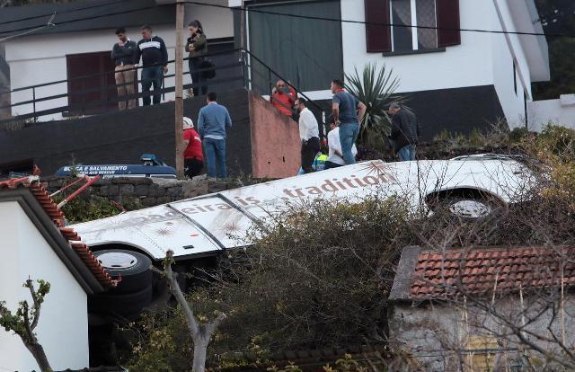 https: img-o.okeinfo.net content 2019 04 18 18 2045022 bus-turis-jerman-terjun-di-madeira-portugal-29-orang-meninggal-aCMAnVYRa8.jpg