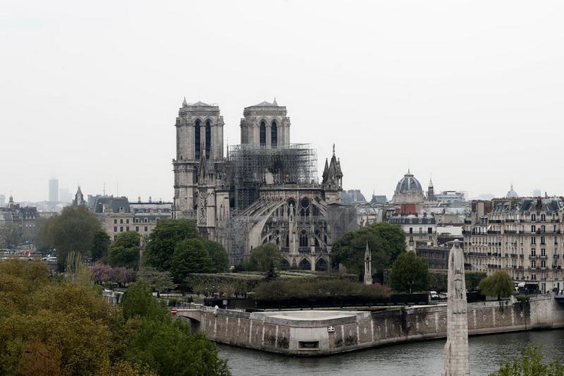 https: img-o.okeinfo.net content 2019 04 19 18 2045575 kebakaran-katedral-notre-dame-diyakini-disebabkan-oleh-korsleting-BlsUTeWjRK.jpg