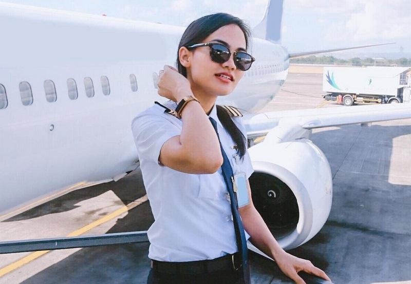 https: img-o.okeinfo.net content 2019 04 19 194 2045650 5-perempuan-cantik-ini-memilih-profesi-sebagai-pilot-cx0PfGCpIe.jpg