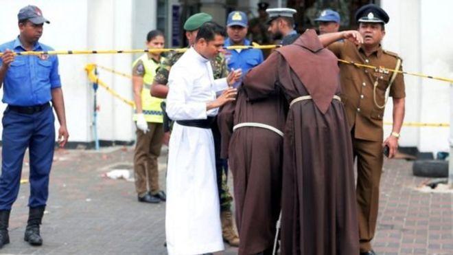 https: img-o.okeinfo.net content 2019 04 21 18 2046101 137-orang-tewas-dalam-serangan-bom-gereja-di-sri-lanka-saat-perayaan-paskah-8hf8yjerZf.jpg