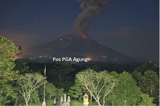 https: img-o.okeinfo.net content 2019 04 21 244 2046178 gunung-agung-kembali-erupsi-tinggi-kolom-abu-vulkanis-3-000-meter-OXXf1EIM5m.jpg
