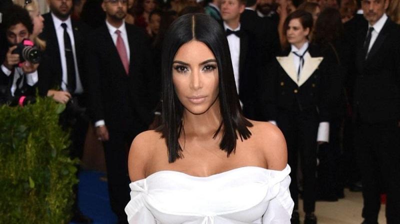 https: img-o.okeinfo.net content 2019 04 22 406 2046521 kim-kardashian-ketagihan-liburan-di-bali-ternyata-ini-alasannya-nulJHcJbe7.jpg