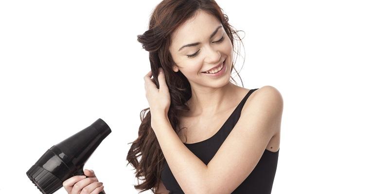 https: img-o.okeinfo.net content 2019 04 22 611 2046617 sering-pakai-hairdryer-atau-catokan-ini-trik-merawat-rambut-biar-tetap-sehat-Tt4Bzb9PE8.jpg