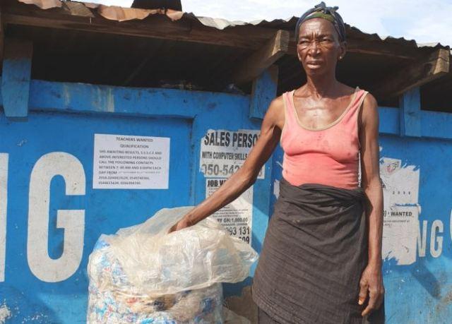 https: img-o.okeinfo.net content 2019 04 23 18 2046754 hari-bumi-kisah-perempuan-afrika-mencari-nafkah-sambil-selamatkan-lingkungan-GT9G7AmSFL.jpg
