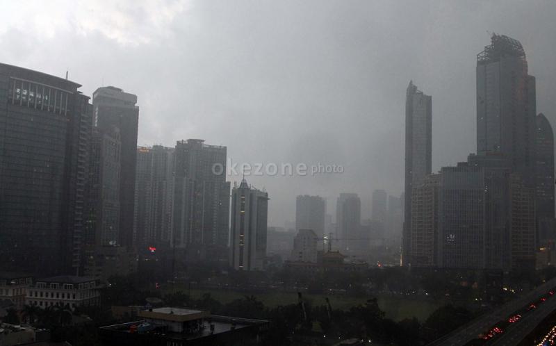 https: img-o.okeinfo.net content 2019 04 23 338 2046796 cuaca-jakarta-pagi-ini-diprediksi-berawan-siang-malam-hujan-ringan-9a7bxDfAj9.jpg