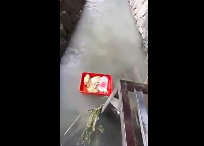 https: img-o.okeinfo.net content 2019 04 24 298 2047471 viral-angkringan-kirim-makan-ala-floating-breakfast-hotel-bintang-5-izdXRQ2ULj.jpg