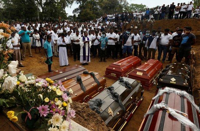 https: img-o.okeinfo.net content 2019 04 26 18 2048272 diralat-jumlah-korban-tewas-serangan-bom-sri-lanka-berkurang-lebih-dari-100-orang-CkxYhcB846.jpg