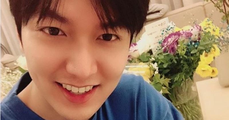 https: img-o.okeinfo.net content 2019 04 26 33 2048276 selfie-perdana-lee-min-ho-usai-wamil-netizen-enggak-sanggup-rJMqc87Tj8.jpg
