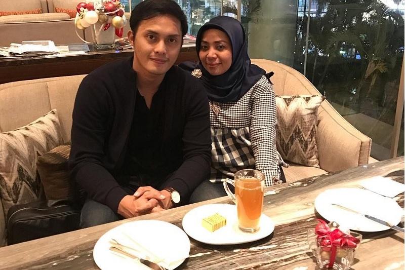https: img-o.okeinfo.net content 2019 04 26 33 2048461 tiga-fakta-menarik-dari-pernikahan-muzdalifah-dan-fadel-islami-x9FQNXK8eZ.jpg