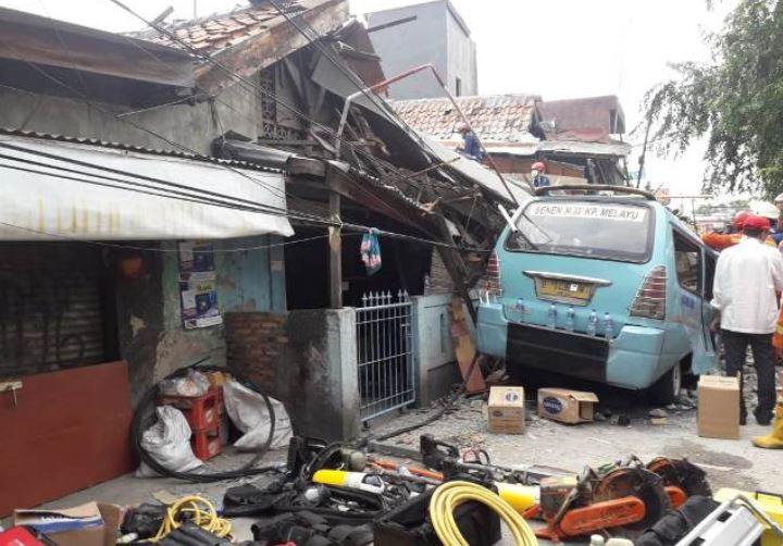 https: img-o.okeinfo.net content 2019 04 26 338 2048603 korban-tewas-akibat-rumah-ambruk-di-tanah-tinggi-bertambah-jadi-3-orang-qncfICfgxn.JPG