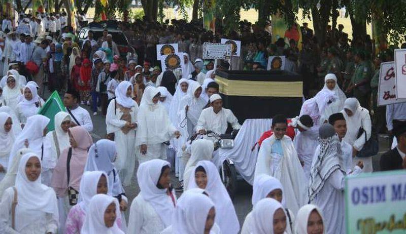 https: img-o.okeinfo.net content 2019 04 26 610 2048288 tradisi-sambut-ramadan-ribuan-warga-ziarah-kubro-di-palembang-wOcAdygWxP.jpg