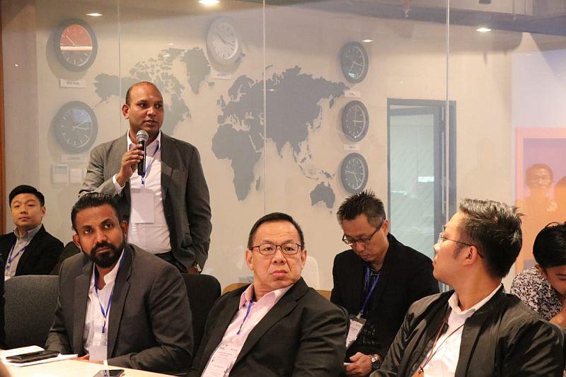 https: img-o.okeinfo.net content 2019 04 27 320 2048835 tertarik-investasi-investor-singapura-manfaatkan-jakarta-investment-centre-uoCwq8t1Yy.jpg
