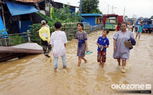 https: img-o.okeinfo.net content 2019 04 28 338 2049081 bpdb-lokasi-banjir-di-jakarta-berkurang-tinggal-3-titik-xVf6pinyoY.jpg
