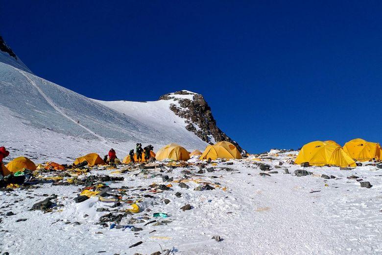 https: img-o.okeinfo.net content 2019 04 29 18 2049470 nepal-luncurkan-kampanye-untuk-bawa-turun-10-000-kg-sampah-dan-mayat-dari-everest-ZR4cPM5x0S.jpg