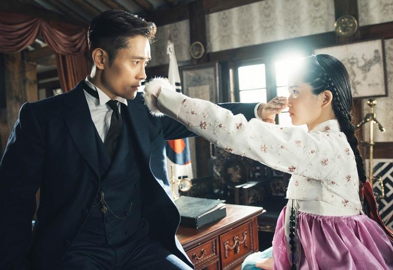 https: img-o.okeinfo.net content 2019 05 01 598 2050382 setelah-mr-sunshine-kim-eun-sook-segera-comeback-dengan-drama-baru-yHC1KibC8z.jpg