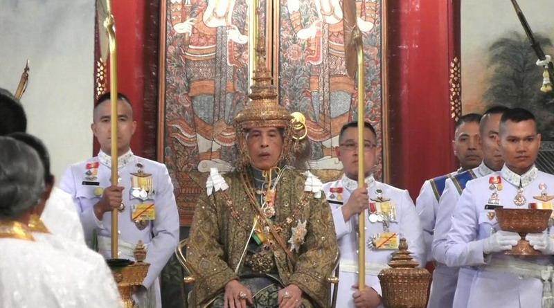 https: img-o.okeinfo.net content 2019 05 04 18 2051553 resmi-dinobatkan-raja-thailand-sampaikan-perintah-kerajaan-pertamanya-vZB3G7ukVH.jpg