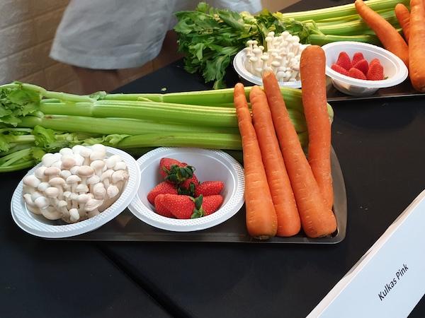 https: img-o.okeinfo.net content 2019 05 05 616 2051642 tips-stok-sayur-buah-agar-tetap-segar-di-kulkas-selama-puasa-mKoqkMq5f0.jpg