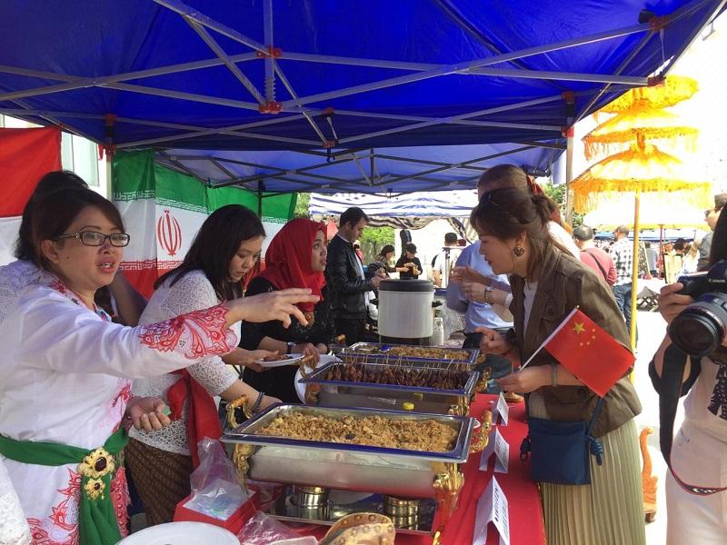 https: img-o.okeinfo.net content 2019 05 06 298 2052173 bangga-makanan-indonesia-ludes-terjual-di-korea-utara-xpZRdYkKPG.jpeg