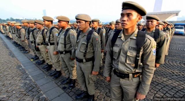https: img-o.okeinfo.net content 2019 05 08 338 2053015 satpol-pp-gelar-patroli-malam-untuk-halau-sahur-on-the-road-di-jakarta-GbiLo4GHtc.jpg