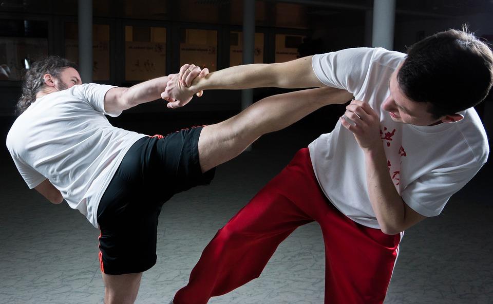 https: img-o.okeinfo.net content 2019 05 08 406 2053144 bak-film-film-action-group-taekwondo-dan-kung-fu-saling-adu-jotos-di-mal-Qej1BVg3zm.jpg