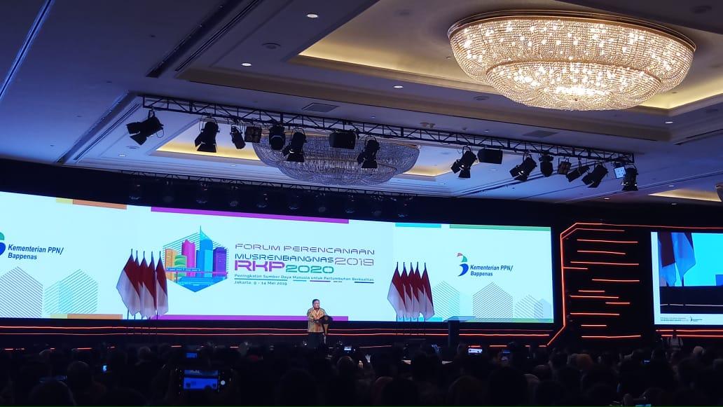 https: img-o.okeinfo.net content 2019 05 09 320 2053442 menteri-bambang-pemerintah-fokus-pada-pembangunan-sdm-IGwGYXrQRP.jpeg