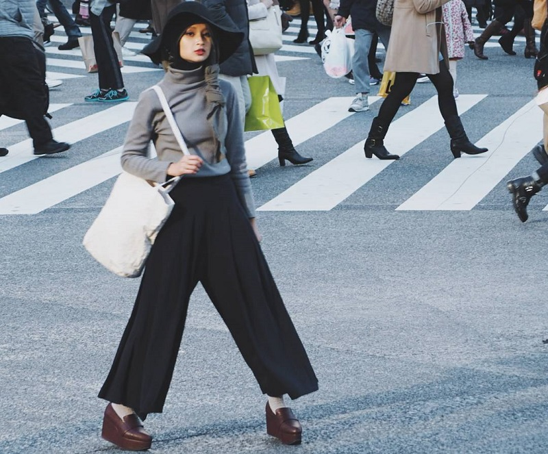 https: img-o.okeinfo.net content 2019 05 10 617 2053950 intip-tampilan-hijab-dengan-sentuhan-budaya-jepang-ala-rahmalia-aufa-yazid-eRDQTRiRLu.jpg