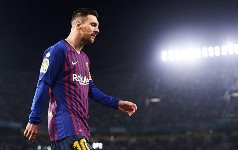 https: img-o.okeinfo.net content 2019 05 12 261 2054736 gagal-bawa-barcelona-ke-final-liga-champions-alves-bela-lionel-messi-AhU9poGdUg.jpg