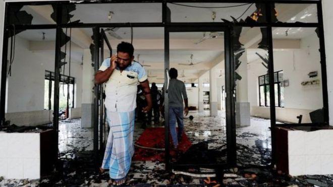 https: img-o.okeinfo.net content 2019 05 14 18 2055360 sri-lanka-terapkan-jam-malam-setelah-kekerasan-anti-muslim-menyebar-8Nj0VAn2iu.jpg