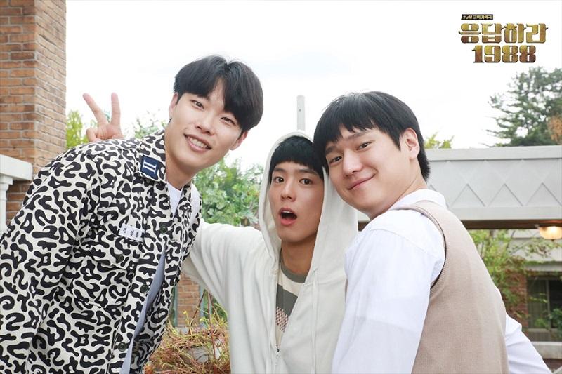https: img-o.okeinfo.net content 2019 05 15 598 2056146 sukses-besar-di-korea-china-akan-remake-drama-reply-1988-N38AdhZGj4.jpg