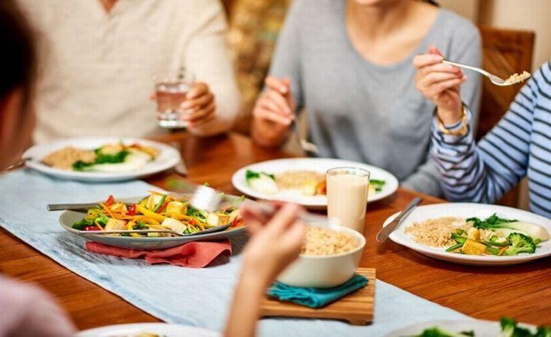 https: img-o.okeinfo.net content 2019 05 15 616 2055777 rekomendasi-1-set-hidangan-lezat-dan-bergizi-untuk-sahur-Vaa9n7XBfA.jpg