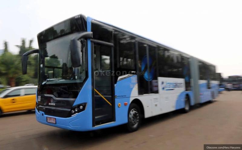 https: img-o.okeinfo.net content 2019 05 16 338 2056485 transjakarta-akan-sediakan-bus-terintegrasi-stasiun-lrt-tQzqloYWeZ.jpg