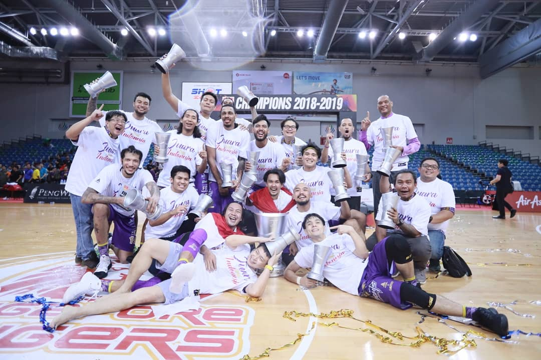 https: img-o.okeinfo.net content 2019 05 16 36 2056287 cls-knights-indonesia-juara-asean-basketball-league-2018-2019-YC46ozPejx.jpeg