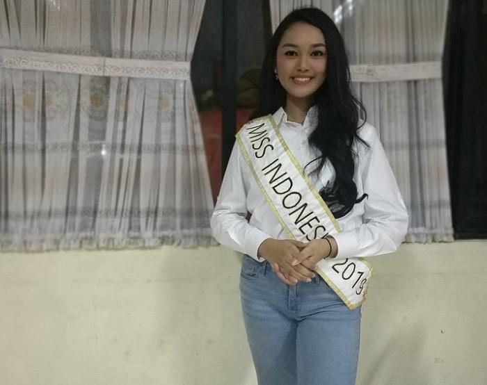 https: img-o.okeinfo.net content 2019 05 17 298 2056863 uniknya-tradisi-sahur-keluarga-miss-indonesia-2019-princess-megonondo-Sp4KPJcZVU.jpeg