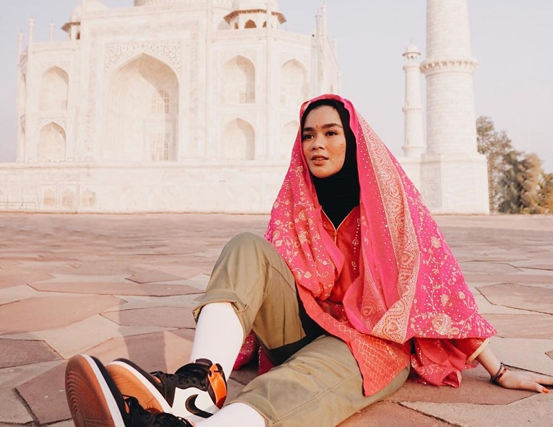 https: img-o.okeinfo.net content 2019 05 17 406 2056942 hijabers-ini-tips-packing-untuk-traveling-ala-sivia-azizah-U5gyx5HvLH.jpg