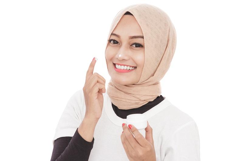 https: img-o.okeinfo.net content 2019 05 17 611 2057106 skincare-terkenal-asal-korea-ini-bersahabat-untuk-muslimah-NORS9FstSA.jpg