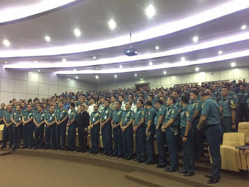 https: img-o.okeinfo.net content 2019 05 17 65 2056876 kuliah-umum-di-seskoal-kabakamla-singgung-tugas-coast-guard-PzAsOtlZGy.jpg