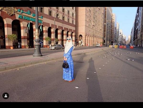 https: img-o.okeinfo.net content 2019 05 18 194 2057309 inspirasi-hijab-cantik-ala-aura-kasih-lqhNfK8LcR.jpg