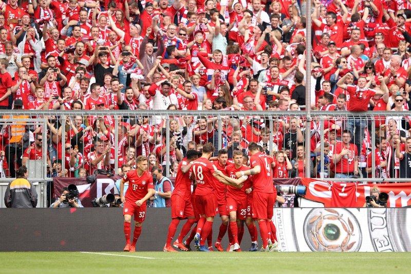 https: img-o.okeinfo.net content 2019 05 18 51 2057434 hajar-frankfurt-5-1-bayern-munich-resmi-juara-liga-jerman-2018-2019-rhodpzR8Ti.jpg